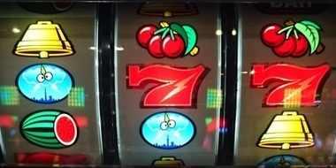 サンダーVリボルト リーチ目 赤7狙い 枠下赤7 中中段赤7 右中段赤7