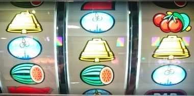 サンダーVリボルト リーチ目 赤7狙い 枠下赤7 ベルスイカダブルテンパイはずれ 右チェベリ