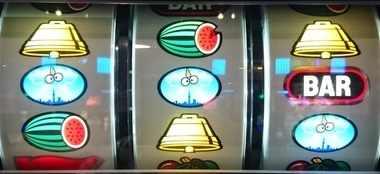 サンダーVリボルト リーチ目 赤7枠上ビタから 赤7枠下リリBAR 中段リプレイハズレ系